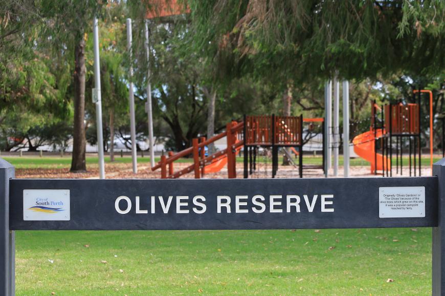 Olives Reserve